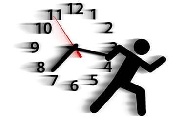 時計と走っているシルエット