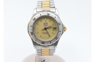タグホイヤーの古いモデルの時計