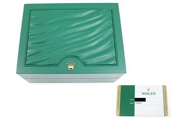 ロレックスの箱と保証書
