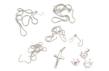 切れたネックレスや石の取れたペンダントトップ