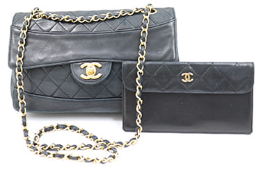 古いシャネルのバッグ・財布