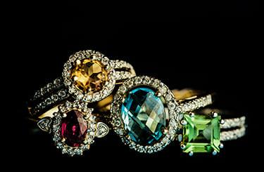 宝石のリング