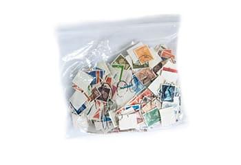袋にまとまった切手