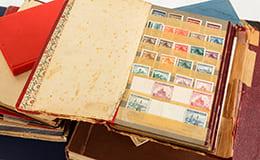 大量の切手アルバム