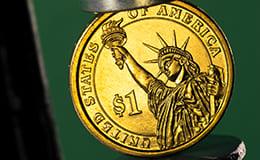 変形したコイン