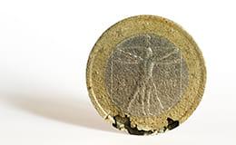 傷のあるコイン
